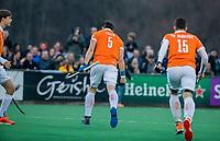 BLOEMENDAAL - Tim Swaen (Bldaal) scoort 3-2, tijdens de competitie hoofdklasse hockeywedstrijd heren, Bloemendaal-Pinoke (3-2)   COPYRIGHT KOEN SUYK
