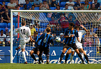 Fotball<br /> Treningskamper England<br /> 01.08.2004<br /> Foto: SBI/Digitalsport<br /> NORWAY ONLY<br /> <br /> Bolton Wanderers v Inter Milan<br /> <br /> Bolton's best chance to score in the first half fell to Michael Bridges (L) but the shot was saved by Inter Milan's keeper Francesco Toldo