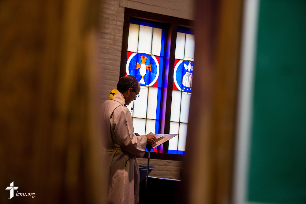 The Rev. Dr. Eric Moeller leads worship at El Calvario Lutheran Church on Sunday, April 17, 2016, in Brownsville, Texas. Moeller fills in occasionally with Sunday service as the congregation awaits a full-time pastor. LCMS Communications/Erik M. Lunsford