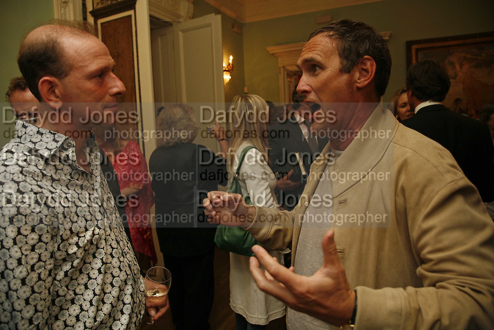 William Sieghart and A.A. Gill, Book launch of 'A Much Married Man' by Nicholas Coleridge. English Speaking Union. London. 4 May 2006. ONE TIME USE ONLY - DO NOT ARCHIVE  © Copyright Photograph by Dafydd Jones 66 Stockwell Park Rd. London SW9 0DA Tel 020 7733 0108 www.dafjones.com