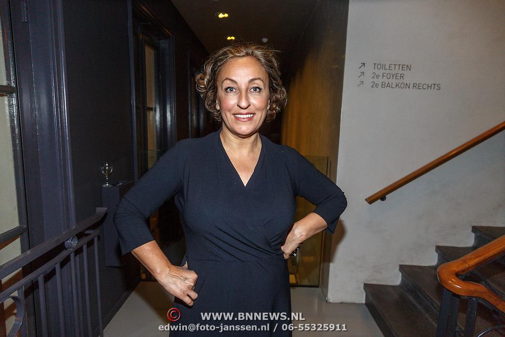NLD/Amsterdam/20150929 - Premiere LULverhalen - Ladies on Stage, Karin Bruens