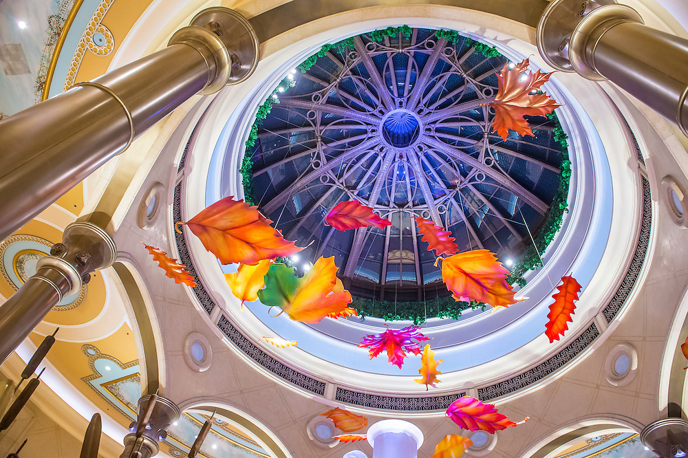 LAS VEGAS - OCT 05 : The interior of Palazzo hotel and Casino on October 05 , 2016 in Las Vegas. Palazzo hotel opened in 2008 and it is the tallest completed building in Las Vegas