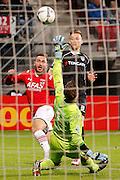 ALKMAAR - 26-09-2015, AZ - Heracles Almelo, AFAS Stadion, AZ speler Muamer Tankovic (l), Heracles Almelo keeper Bram Castro (m), Heracles Almelo speler Mike te Wierik.