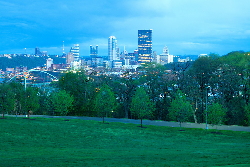 Schenley Park at Oakland neighborhood and downtown city skyline,  Pittsburgh, Pennsylvania, USA