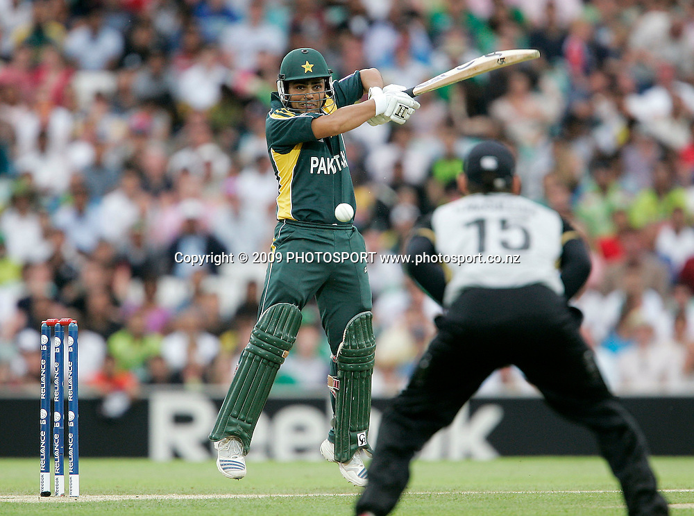 Pakistan's Kamran Akmal plays a cut shot during the ICC World Twenty20 Cup match between the New Zealand Black Caps and Pakistan at the Oval, London, England, 13 June, 2009. Photo: PHOTOSPORT