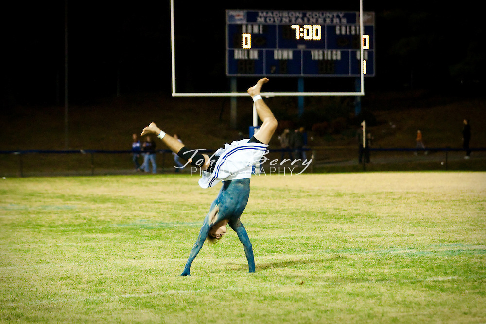 MCHS Junior Senior Powderpuff Game.Juniors 16, Seniors 8.11/6/2008
