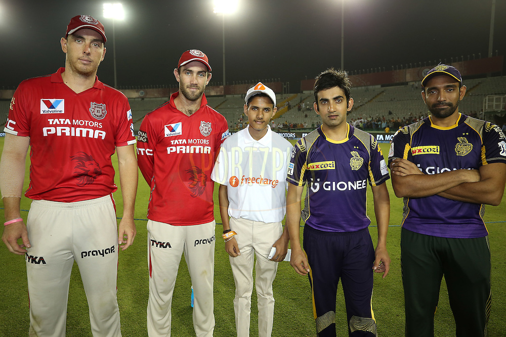 Kyle Abbott of Kings XI Punjab, Glenn Maxwell of Kings XI Punjab, the Freecharge Bolt winner, Kolkata Knight Riders captain Gautam Gambhir and Robin Uthappa of Kolkata Knight Riders during match 13 of the Vivo Indian Premier League (IPL) 2016 between the Kings XI Punjab and the Kolkata Knight Riders held at the IS Bindra Stadium, Mohali, India on the 19th April 2016<br /> <br /> Photo by Shaun Roy / IPL/ SPORTZPICS