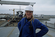 France. Saint Nazaire. Alsthom Atlantique.  shipyard in . women workers    / Le chantier naval alstom atlantique, ouvrieres