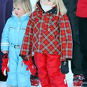 AUT/Lech/20080210 - Fotosessie Nederlandse Koninklijke familie in lech Oostenrijk, prinses Amalia