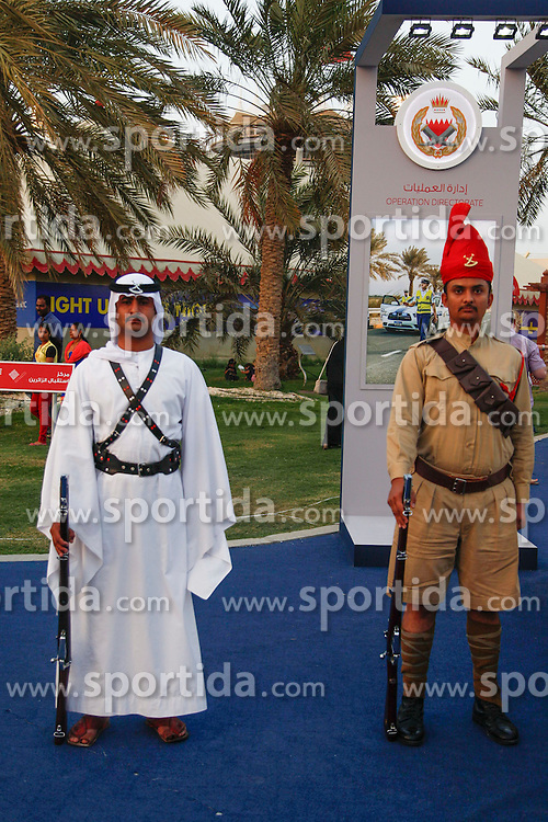 18.04.2015, International Circuit, Sakhir, BHR, FIA, Formel 1, Grand Prix von Bahrain, Qualifying, im Bild Entertaiment // during Qualifying of the FIA Formula One Bahrain Grand Prix at the International Circuit in Sakhir, Bahrain on 2015/04/18. EXPA Pictures &copy; 2015, PhotoCredit: EXPA/ Sutton Images/ Manuel Goria<br /> <br /> *****ATTENTION - for AUT, SLO, CRO, SRB, BIH, MAZ only*****