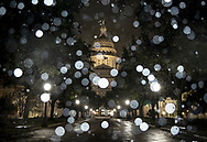 Snow falls at the Texas State Capitol on Wednesday, Feb. 5, 2020, in Austin, Texas. [NICK WAGNER/AMERICAN-STATESMAN]