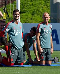 Bayern Munich's Arjen Robben (C) take part in the  winter training camp at the Aspire Academy of Sports Excellence in the Qatari capital Doha on January. 05, 2019. FC Bayern Munich will stay in the Doha until10 January 2019 (X?inhua/Nikku) (Credit Image: © Nikku/Xinhua via ZUMA Wire)