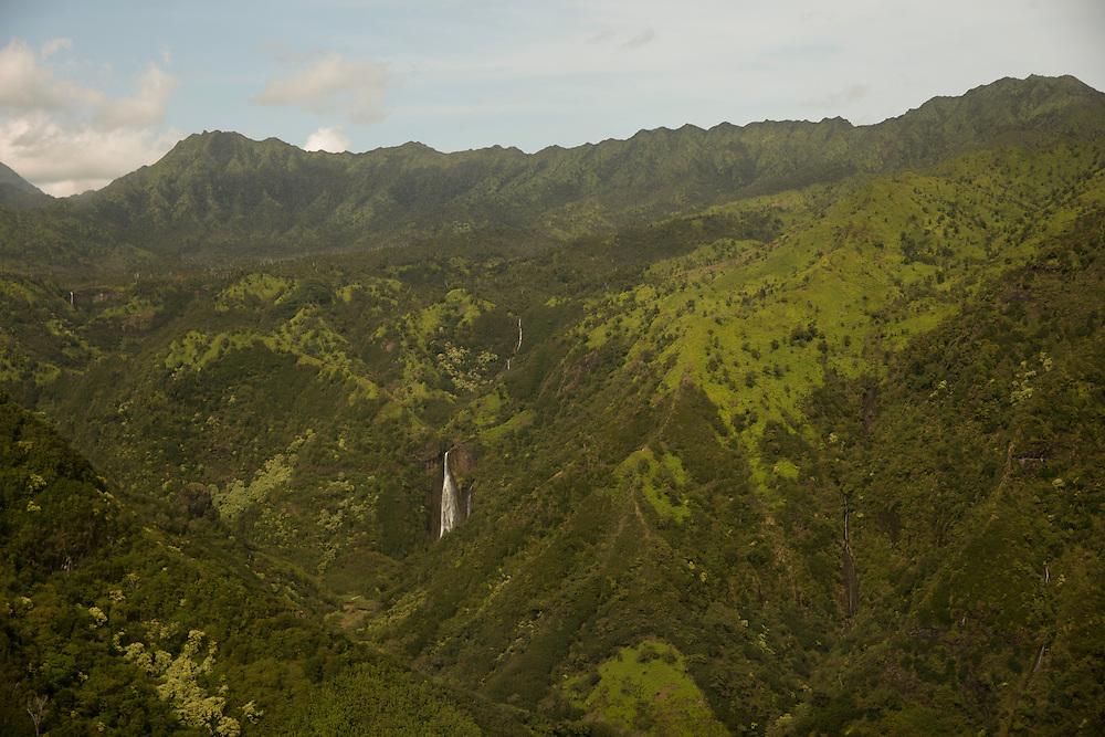 Manawaiopuna Falls, Kauai, Hawaii. Photograph © 2013 Darren Carroll