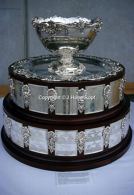 Sport,Tennis, Davis Cup, Pokal, steht auf Tisch, Hintergrund neutral,Detail,Nahaufnahme,Davis Cup Trophaee,Trophy,<br /> Dwight.Filley Davis,Freisteller,