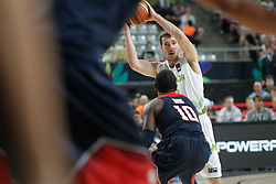 09.09.2014, City Arena, Barcelona, ESP, FIBA WM, Slowenien vs USA, im Bild Slovenia's Goran Dragic (r) and USA's Kyrie Irving // during FIBA Basketball World Cup Spain 2014 match between Slovenia and USA at the City Arena in Barcelona, Spain on 2014/09/09. EXPA Pictures © 2014, PhotoCredit: EXPA/ Alterphotos/ Acero<br /> <br /> *****ATTENTION - OUT of ESP, SUI*****
