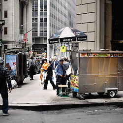 Wandering  around the Financial District with the  Wall Street's Soundwalk (by John Solitto) on my ears. 2009, June 12th. Photo: Antoine Doyen