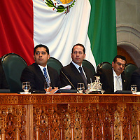 Toluca, México.- Óscar Gónzalez Yáñez, diputado local durante la sesión de apertura del Séptimo Periodo Ordinario de Sesiones de la LVIII Legislatura mexiquense.  Agencia MVT / José Hernández