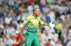 29.08.2012, Estadio Santiago Bernabeu, Madrid, ESP, Supercup, Real Madrid vs FC Barcelona, Rueckspiel, im Bild Barcelona's Victor Valdes reacts // during the Spanish Supercup 2nd Leg Match match between Real Madrid CF and Barcelona FC at the Estadio Santiago Bernabeu, Madrid, Spain on 2012/08/29. EXPA Pictures © 2012, PhotoCredit: EXPA/ Alterphotos/ Alvaro Hernandez..***** ATTENTION - OUT OF ESP and SUI *****