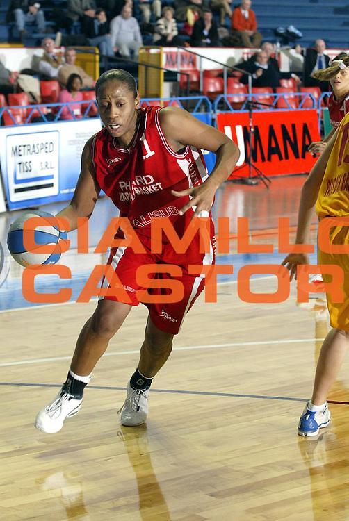 DESCRIZIONE : VENEZIA FINAL FOUR FIBA CUP 2004-2005<br />GIOCATORE : ANTIBE<br />SQUADRA : PHARD NAPOLI<br />EVENTO : FINAL FOUR FIBA CUP 2004-2005<br />GARA : PHARD NAPOLI-PAYS D'AIX<br />DATA : 09/02/2005<br />CATEGORIA :<br />SPORT : Pallacanestro<br />AUTORE : Agenzia Ciamillo-Castoria/E.Pozzo