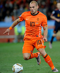11.07.2010, Soccer-City-Stadion, Johannesburg, RSA, FIFA WM 2010, Finale, Niederlande (NED) vs Spanien (ESP) im Bild Wesley Sneijder (Olanda), EXPA Pictures © 2010, PhotoCredit: EXPA/ InsideFoto/ Perottino *** ATTENTION *** FOR AUSTRIA AND SLOVENIA USE ONLY! / SPORTIDA PHOTO AGENCY