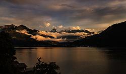 THEMENBILD - Blick auf das Kitzsteinhorn und das Wiesbachhorn über den Zeller See bei Sonnenuntergang, aufgenommen am 28. Juni 2017, Zell am See, Österreich // View of the Kitzsteinhorn Glacier and the Wiesbachhorn over the Lake Zell at Sunset in the Alps in Zell am See, Austria on 2017/06/28. EXPA Pictures © 2017, PhotoCredit: EXPA/ JFK