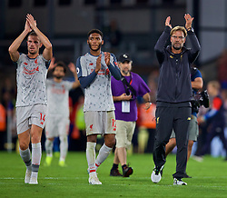 LONDON, ENGLAND - Monday, August 20, 2018: Liverpool's captain Jordan Henderson (L), Joe Gomez (C) and manager Jürgen Klopp applaud the supporters after the FA Premier League match between Crystal Palace and Liverpool FC at Selhurst Park. Liverpool won 2-0. (Pic by David Rawcliffe/Propaganda)