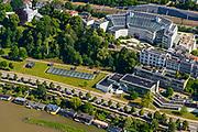 Nederland, Gelderland, Arnhem, 29-05-2019; de straat Onderlangs - langs de Nederrijn met ArtEZ Hogeschool voor de kunsten (voorgrond). Linksboven de koepel van Museum Arnhem, daarnaast het  Hoofdkantoor Alliander (Bellevue),<br /> Part of the city center with art school (at the bottom).<br /> <br /> luchtfoto (toeslag op standard tarieven);<br /> aerial photo (additional fee required);<br /> copyright foto/photo Siebe Swart