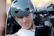 Iris Slappendel stapt in de fiets. Het Human Power Team Delft en Amsterdam (HPT), dat bestaat uit studenten van de TU Delft en de VU Amsterdam, is in Senftenberg voor een poging het laagland sprintrecord te verbreken op de Dekrabaan. In september wil het Human Power Team Delft en Amsterdam, dat bestaat uit studenten van de TU Delft en de VU Amsterdam, tijdens de World Human Powered Speed Challenge in Nevada een poging doen het wereldrecord snelfietsen voor vrouwen te verbreken met de VeloX 7, een gestroomlijnde ligfiets. Het record is met 121,44 km/h sinds 2009 in handen van de Francaise Barbara Buatois. De Canadees Todd Reichert is de snelste man met 144,17 km/h sinds 2016.<br /> <br /> The Human Power Team is in Senftenberg, Germany to race at the Dekra track as a preparation for the races in America. With the VeloX 7, a special recumbent bike, the Human Power Team Delft and Amsterdam, consisting of students of the TU Delft and the VU Amsterdam, also wants to set a new woman's world record cycling in September at the World Human Powered Speed Challenge in Nevada. The current speed record is 121,44 km/h, set in 2009 by Barbara Buatois. The fastest man is Todd Reichert with 144,17 km/h.