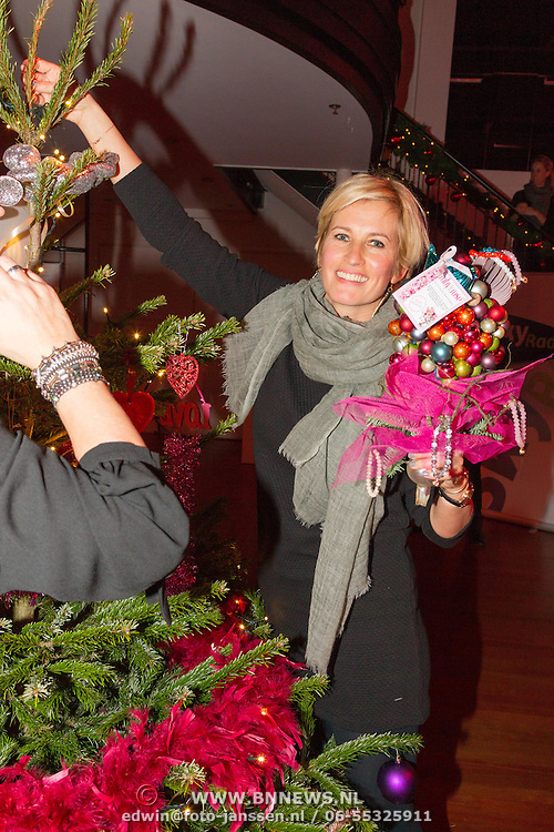 NLD/Hilversum/20151207- Sky Radio's Christmas Tree for Charity, Anouk Smulders