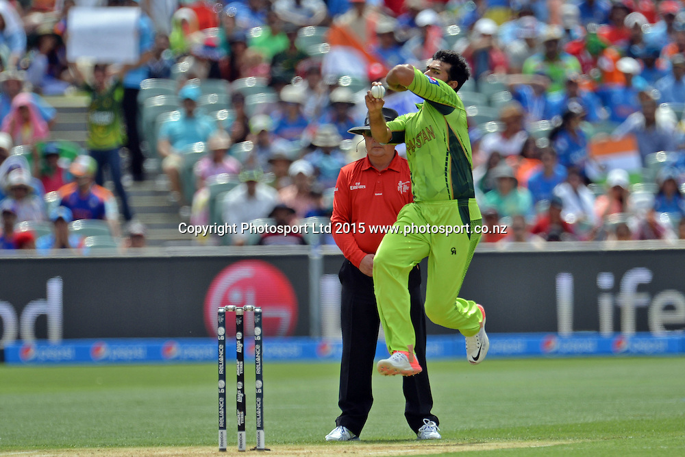 Pakistan bowler Sohail Khan into his delivery stride during the ICC Cricket World Cup match between India and Pakistan at Adelaide Oval in Adelaide, Australia. Sunday 15 February 2015. Copyright Photo: Raghavan Venugopal / www.photosport.co.nz