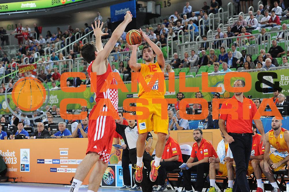 DESCRIZIONE : Lubiana Ljubliana Slovenia Eurobasket Men 2013 Finale Terzo Quarto Posto Spagna Croazia Final for 3rd to 4th place Spain Croatia<br /> GIOCATORE : Sergio Llull<br /> CATEGORIA : tiro shot<br /> SQUADRA : Spagna Spain<br /> EVENTO : Eurobasket Men 2013<br /> GARA : Spagna Croazia Spain Croatia<br /> DATA : 22/09/2013 <br /> SPORT : Pallacanestro <br /> AUTORE : Agenzia Ciamillo-Castoria/C.De Massis<br /> Galleria : Eurobasket Men 2013<br /> Fotonotizia : Lubiana Ljubliana Slovenia Eurobasket Men 2013 Finale Terzo Quarto Posto Spagna Croazia Final for 3rd to 4th place Spain Croatia<br /> Predefinita :