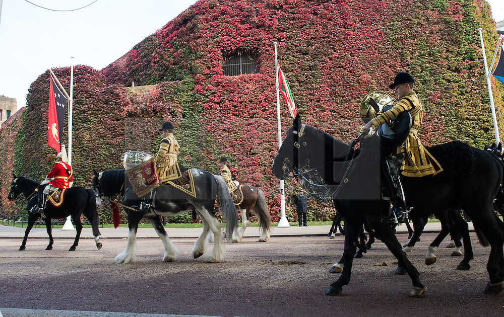 © London News Pictures 20/10/2015. Band of the Household Cavalry, accompanied by their Drum Horses Adamas and Mercury.<br /> <br /> More than 1,100 soldiers and 230 horses joined HM The Queen, HRH The Duke of Edinburgh, The Duke and Duchess of Cornwall, the Prime Minister, Senior members of the Cabinet, the Lord Mayor of London, the Mayor of London, and the Defence Chiefs of Staff for the ceremonial welcome to Britain of The President of The People's Republic of China and Madame Peng Liyuan . Photo credit: Rupert Frere/LNP