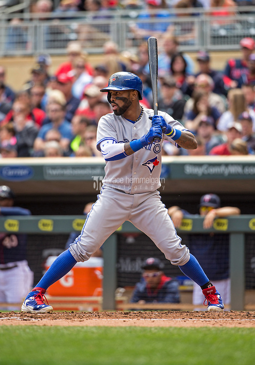 MINNEAPOLIS, MN- MAY 31: Jose Reyes #7 of the Toronto Blue Jays bats against the Minnesota Twins on May 31, 2015 at Target Field in Minneapolis, Minnesota. The Twins defeated the Blue Jays 6-5. (Photo by Brace Hemmelgarn) *** Local Caption *** Jose Reyes