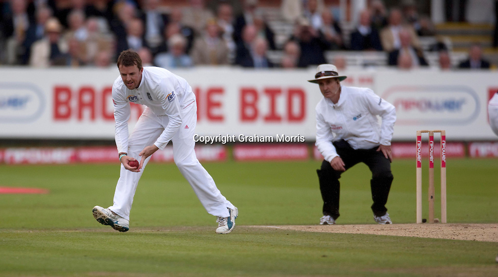 Umpire Billy Bowden watches Graeme Swann catch last man Mohammad Asif to bring about the follow-on in the final npower Test Match between England and Pakistan at Lord's.  Photo: Graham Morris (Tel: +44(0)20 8969 4192 Email: sales@cricketpix.com) 28/08/10