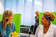ROTTERDAM - Koningin Maxima bij een Werkplein van de gemeente en het UWV tijdens een werkbezoek aan het Nationaal Programma Rotterdam Zuid. ANP ROYAL IMAGES ROBIN UTRECHT **NETHERLANDS ONLY**