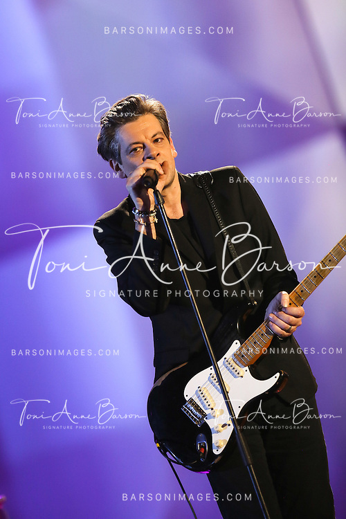 """PARIS, FRANCE - FEBRUARY 10:  Benjamin Biolay performs during the """"32nd Victoires de la Musique 2017"""" at Le Zenith on February 10, 2017 in Paris, France.  (Photo by Tony Barson/FilmMagic)"""