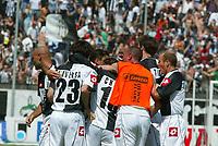 Siena 29-05-2005<br />Campionato di calcio serie A 2004-05 Siena Atalanta<br />Nella foto Esultanza della squadra dopo ilgol<br />Foto Snapshot / Graffiti
