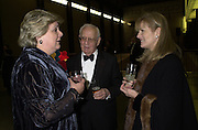 Anne Beckwith Smith, Dr. Mortimer and Mrs. Sackler. Century City Buffet dinner opening. Tate Bankside. 29 January 2001. © Copyright Photograph by Dafydd Jones 66 Stockwell Park Rd. London SW9 0DA Tel 020 7733 0108 www.dafjones.com