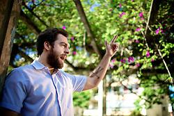 """O escritor gaúcho Daniel Galera, que está lançando um novo romance, """"Barba Ensopada de Sangue"""" (Companhia das Letras). Galera é um dos principais nomes da literatura contemporânea brasileira, com obras traduzidas para vários países. FOTO: Jefferson Bernardes/Preview.com"""