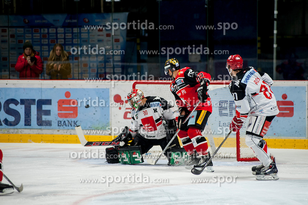 23.10.2016, Ice Rink, Znojmo, CZE, EBEL, HC Orli Znojmo vs HC TWK Innsbruck Die Haie, 13. Runde, im Bild v.l. Andy Chiodo (HC TWK Innsbruck) Teddy Da Costa (HC Orli Znojmo) Nicholas Ross (HC TWK Innsbruck) // during the Erste Bank Icehockey League 13th round match between HC Orli Znojmo and HC TWK Innsbruck Die Haie at the Ice Rink in Znojmo, Czech Republic on 2016/10/23. EXPA Pictures © 2016, PhotoCredit: EXPA/ Rostislav Pfeffer