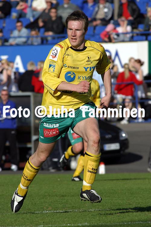 22.05.2003, Tehtaankentt?, Valkeakoski, Finland..Veikkausliiga 2003 / Finnish League 2003.FC Haka Valkeakoski v FC KooTeePee Kotka.Kim Liljeqvist - KooTeePee.©Juha Tamminen