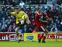 Fotball<br /> England 2004/2005<br /> Foto: SBI/Digitalsport<br /> NORWAY ONLY<br /> <br /> Middlesbrough v Liverpool<br /> Barclays Premiership, Riverside Stadium, Middlesbrough 20/11/2004<br /> <br /> Liverpool's John Arne Riise (L) takes a rare shot on goal for Liverpool.