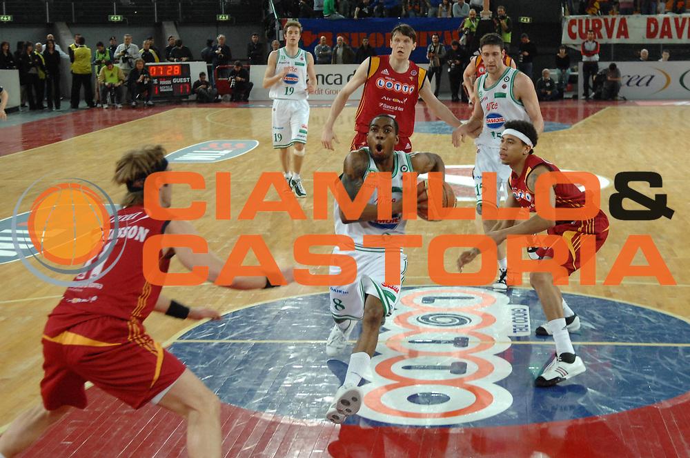 DESCRIZIONE : Roma Lega A1 2007-08 Lottomatica Virtus Roma  Benetton Treviso<br /> GIOCATORE : Lionel Chalmers<br /> SQUADRA : Benetton Treviso<br /> EVENTO : Campionato Lega A1 2007-2008 <br /> GARA : Lottomatica Virtus Roma  Benetton Treviso<br /> DATA : 02/03/2008<br /> CATEGORIA : Penetrazione<br /> SPORT : Pallacanestro <br /> AUTORE : Agenzia Ciamillo-Castoria/E. Grillotti