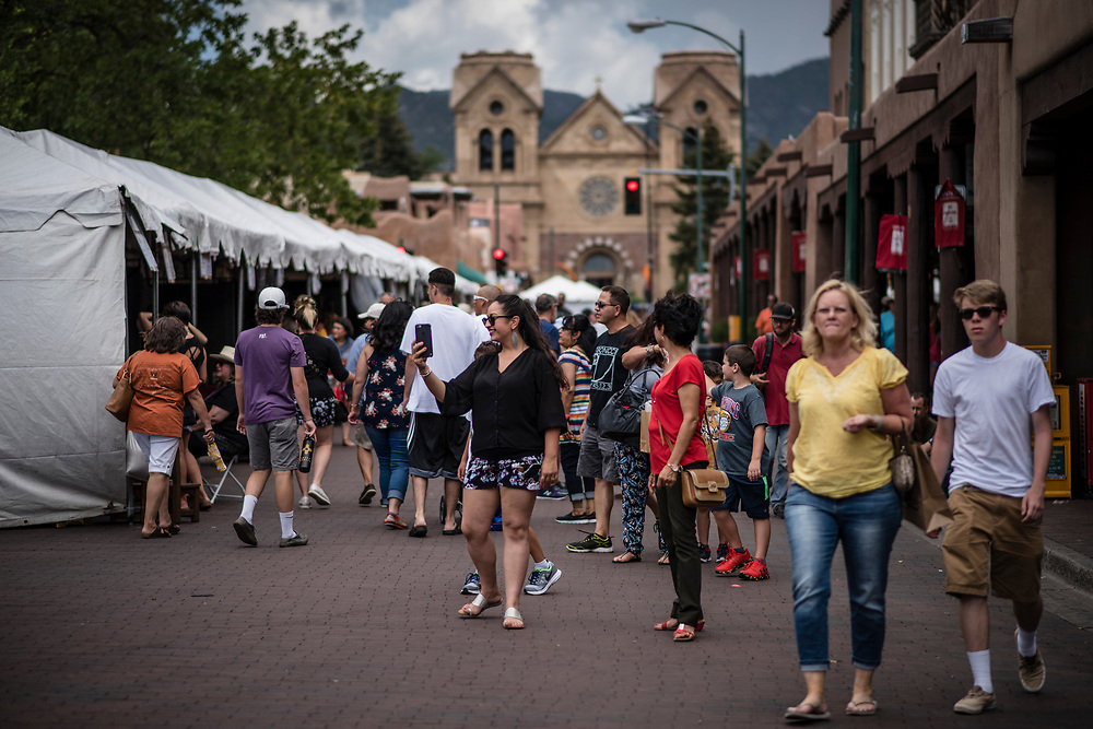 rer072917d/metro/July 29, 2017/Albuquerque Journal<br /> Thousands of visitors attended the annual Spanish Market in Santa Fe, New Mexico. <br /> Albuquerque, New Mexico Roberto E. Rosales/Albuquerque Journal