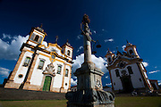 Mariana_MG, Brasil...Lado a Lado as Igrejas Sao Francisco de Assis e Nossa Senhora do Carmo em Mariana, Minas Gerais...Side by Side, the churches of Sao Francisco de Assis and Nossa Senhora do Carmo in Mariana, Minas Gerais...Foto: JOAO MARCOS ROSA / NITRO