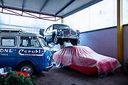 Milano , il collezionista di auto d'epoca Corrado Lopresto, a sn Furgone Romeo , Alfa Romeo, in alto Fiat 1100 speciale di Viotti Giardinetta