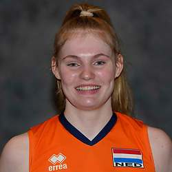 24-12-2019 NED: Photoshoot selection of Orange Youth Girls, Arnhem<br /> Orange Youth Girls 2019 - 2020 / Tess Leemreize #12
