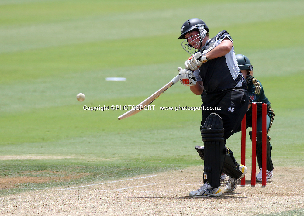 Rachel Priest in action. New Zealand White Ferns v Australia, second ODI, Rose Bowl series. Cobham Oval, Whangarei. Tuesday 3 February 2009. Photo: William Booth/PHOTOSPORT