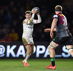 Billy Burns of Ulster in possession - Mandatory byline: Patrick Khachfe/JMP - 07966 386802 - 13/12/2019 - RUGBY UNION - The Twickenham Stoop - London, England - Harlequins v Ulster Rugby - Heineken Champions Cup