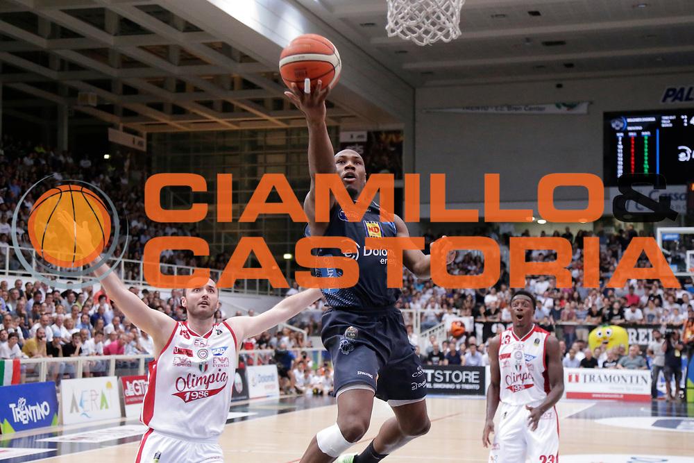 Dustin Hogue<br /> Dolomiti Energia Aquila Basket Trento - EA7 Emporio Armani Olimpia Milano<br /> Semifinale Gara 3, Lega Basket Serie A 2016/2017<br /> PalaTrento 29/05/2017<br /> Foto Ciamillo-Castoria / M.Brondi